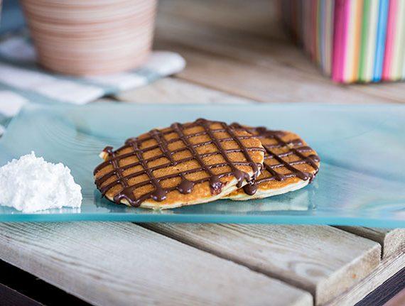 Postre-tortitas-con-nata-y-chocolate-yecla33
