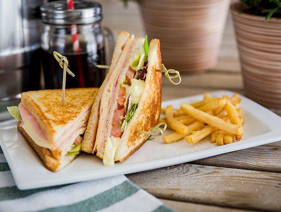 Sandwich-vegetal-mixto-yecla33