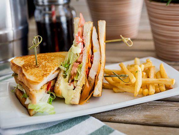 Sandwich-vegetal-pollo-yecla33